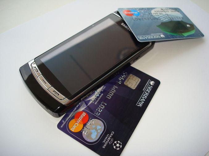 Samsung i8910 и пластиковые карточки