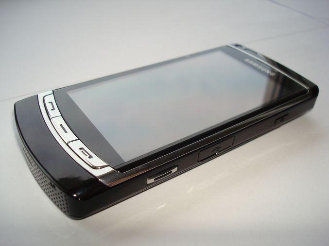 Samsung GT-i8910 8Gb - лучший Symbian смартфон 2009 года
